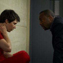 Alphas: Ryan Cartwright e Malik Yoba nell'episodio Wake-Up Call