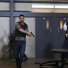 Alphas: Warren Christie e Mahershalalhashbaz Ali nell'episodio Wake-Up Call