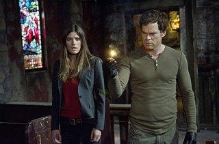Dexter: Michael C. Hall e Jennifer Carpenter in una scena della premiere della stagione 7