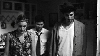 Greta Gerwig insieme al cast maschile di Frances Ha