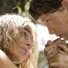 Naomi Watts e Tom Holland in un drammatico momento di The Impossible