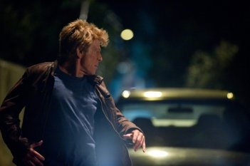 Robert Redford in fuga in una scena di The Company You Keep
