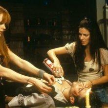 Sandra Bullock e Nicole Kidman con Goran Visnjic in Amori & Incantesimi