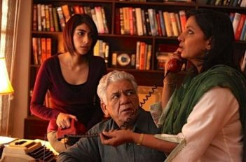 Shabana Azmi e Om Puri in una scena di The Reluctant Fundamentalist