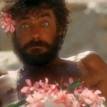 Una buffa espressione di Giancarlo Giannini in 'Travolti da un insolito destino nell'azzurro mare di agosto'