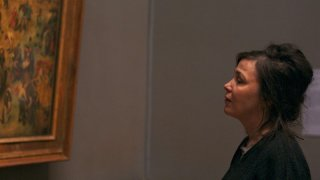 Museum Hours: Mary Margaret O'Hara in visita al museo osserva un'opera