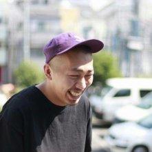 Playback: il regista Sho Miyake sorride sul set