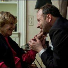 Une Estonienne à Paris: Jeanne Moreau in una tenera scena del film insieme a Patrick Pineau