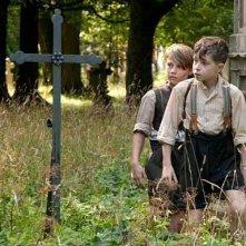 Xaver-Maria Brenner con Benedikt Weber nel film Tom und Hacke.