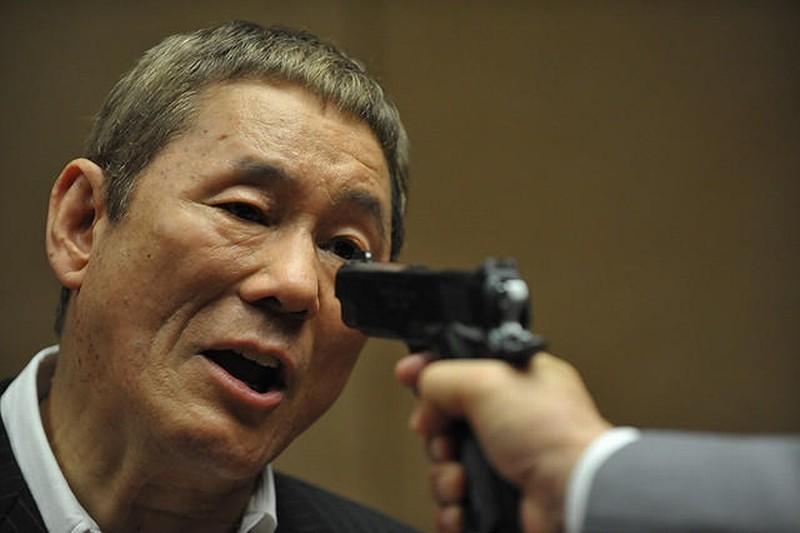 Outrage Beyond Il Regista E Interprete Del Film Takeshi Kitano In Una Scena Del Film 247630