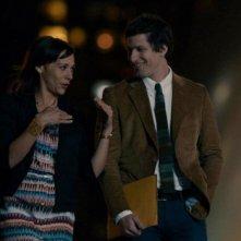 Celeste and Jesse Forever: Andy Samberg accanto a Rashida Jones in una immagine della commedia