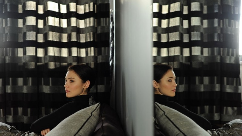 Betrayal Svetlana Mamresheva In Un Immagine Speculare Del Film 247986