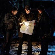 Falling Skies: Will Patton, Noah Wyle e Ryan Robbins nell'episodio La marcia della morte