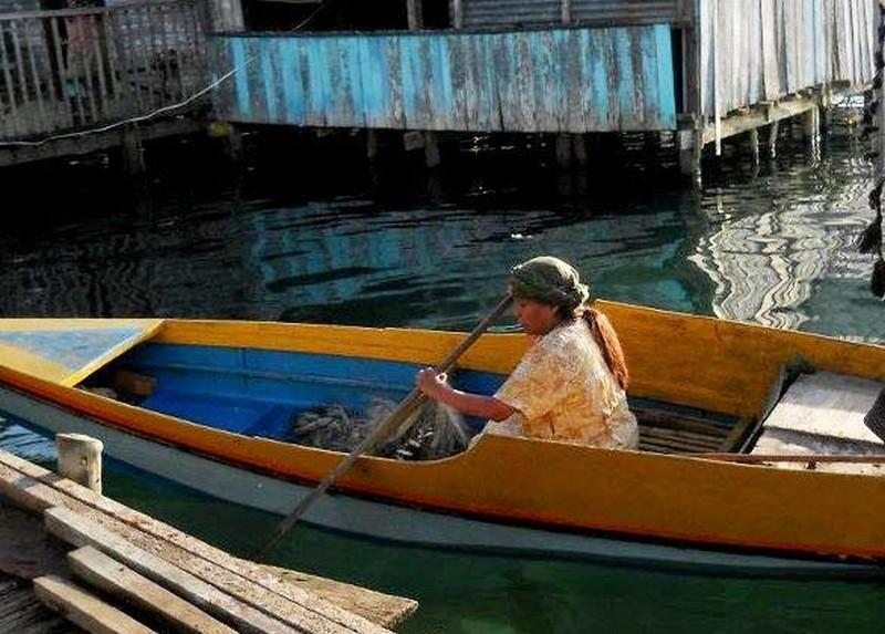 Thy Womb Nora Aunor In Una Scena Del Film Sulla Sua Barca 247919