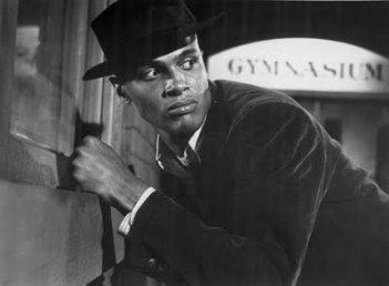 Un primo piano di Harry Belafonte in Carmen Jones