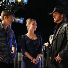 90210: Justin Deeley, Jessica Lowndes e Billy Ray Cyrus nell'episodio 'Tis Pity