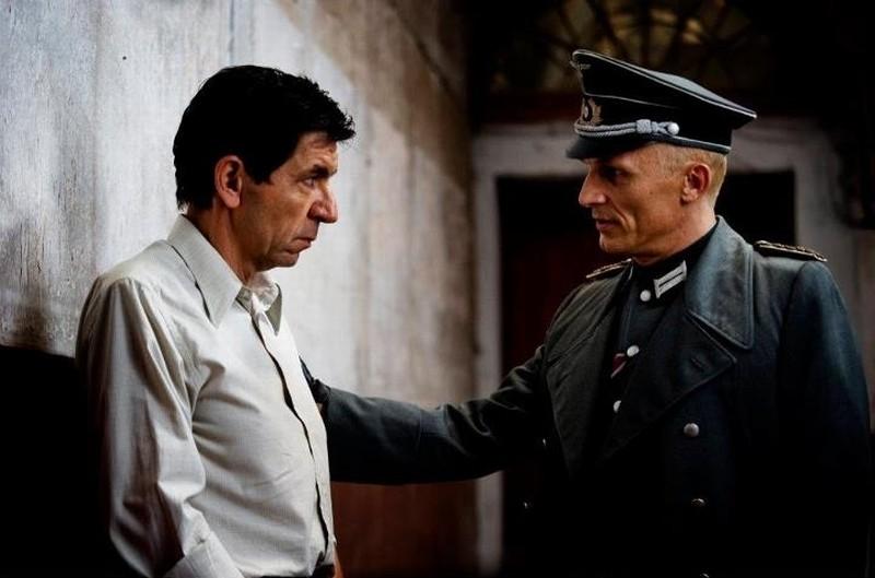 Appartamento Ad Atene Gerasimos Skiadaresis Insieme A Richard Sammel In Una Scena Del Film 248231