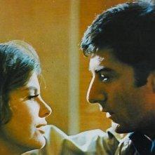 Dustin Hoffman con Anne Bancroft in una scena del film Il laureato