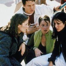 Holly Marie Combs, Alyssa Milano, Shannen Doherty e Brian Krause nell'episodio Cupido della serie Streghe