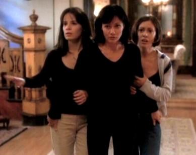 Holly Marie Combs Alyssa Milano Shannen Doherty Nel Primo Episodio Di Streghe 248150