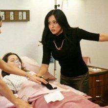 Holly Marie Combs, Alyssa Milano, Shannen Doherty nell'episodio Il risveglio della serie Streghe