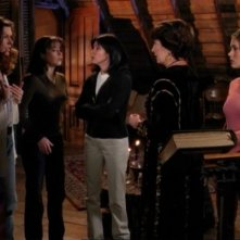 Holly Marie Combs, Alyssa Milano, Shannen Doherty nell'episodio Viaggio nel tempo della serie Streghe