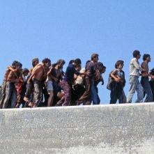 La nave dolce: un'immagine del documentario di Daniele Vicari sullo sbarco della nave Vlora a Bari nel 1991