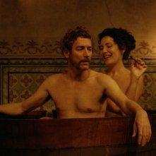 Lines of Wellington: Marcello Urgeghe insieme a Soraia Chaves in una scena d'intimità tratta dal film