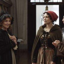 Lines of Wellington: Soraia Chaves in una scena del film con Marisa Paredes ed Elsa Zylberstein