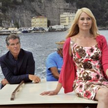 Love Is All You Need: Trine Dyrholm e Pierce Brosnan cullati dalle acque di Sorrento in una scena