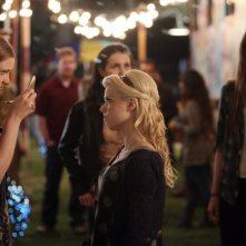 Bunheads: Bailey Buntain e Kaitlyn Jenkins nell'episodio Movie Truck