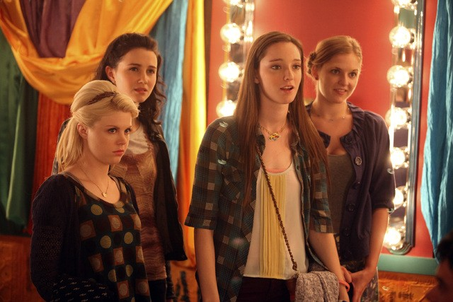 Bunheads Bailey Buntain Emma Dumont Julia Goldani Telles E Kaitlyn Jenkins Nell Episodio Movie Truck 248370