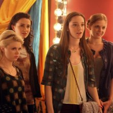 Bunheads: Bailey Buntain, Emma Dumont, Julia Goldani Telles e Kaitlyn Jenkins nell'episodio Movie Truck