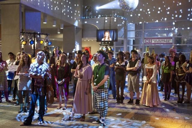 90210 Festeggiamenti Per Halloween Nell Episodio It S The Great Masquerade Naomi Clark 248464
