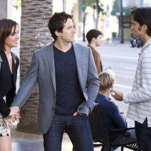 90210: Jessica Stroup, Niall Matter e Michael Steger nell'episodio Mama Can You Hear Me?