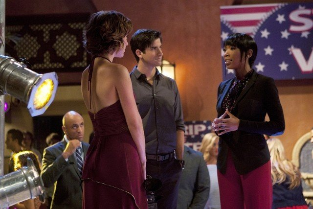 90210 Jessica Stroup Ryan Rottman E Brandy Norwood In Una Scena Dell Episodio Benefit Of The Doubt 248474