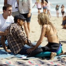 90210: Manish Dayal e Gillian Zinser nell'episodio Let the Games Begin