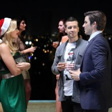 90210: Matt Lanter, Vinny Guadagnino e Cameron Goodman nell'episodio O Holly Night