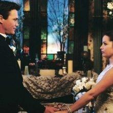 Brian Krause e Holly Marie Combs nell'episodio Finalmente sposi della serie TV Streghe