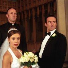 Julian McMahon e Alyssa Milano in un momento dell'episodio Il passato di Paige della quarta stagione di Streghe