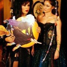 Shannen Doherty in un momento dell'episodio La notte delle Halliwell della serie TV Streghe