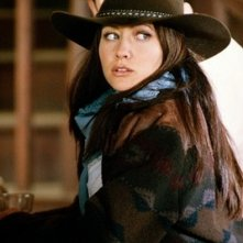 Shannen Doherty in una scena dell'episodio I fantasmi del West della serie TV Streghe