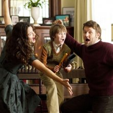 Jennifer Garner, Joel Edgerton e CJ Adams in The Odd Life of Timothy Green