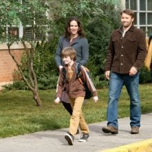 La famiglia Green (Jennifer Garner, Joel Edgerton e CJ Adams) in The Odd Life of Timothy Green