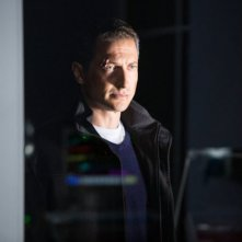 Grimm: Sasha Roiz nell'episodio Bad Teeth