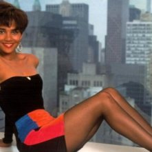 Halle Berry in una immagine promo per Strictly Business (1991)