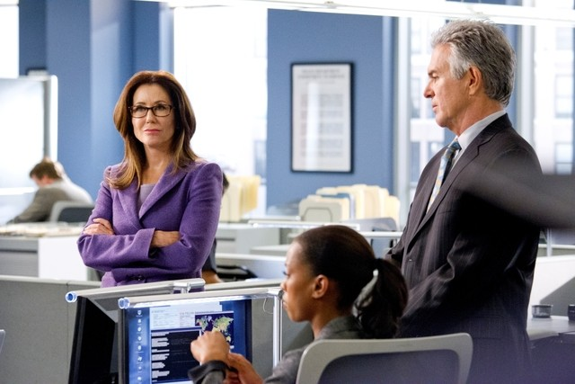 Major Crimes: Mary McDonnell, Kearran Giovanni e Tony Denison nell'episodio Before and After