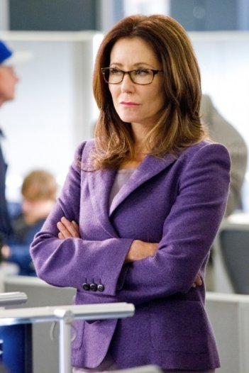 Major Crimes: Mary McDonnell nell'episodio Before and After