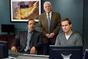 Major Crimes: Robert Gossett, G.W. Bailey e Phillip P. Keene nell'episodio Before and After