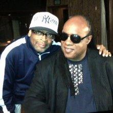 Bad 25: Stevie Wonder insieme al regista Spike Lee sul set del documentario sui 25 anni dell'album Bad di Michael Jackson